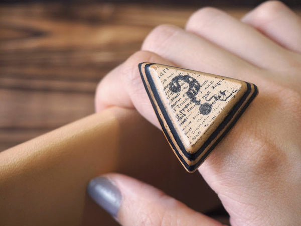 ES Corner Handmade Leather Question Mark Ring Black Natural Nude Layer Accessories Triangle