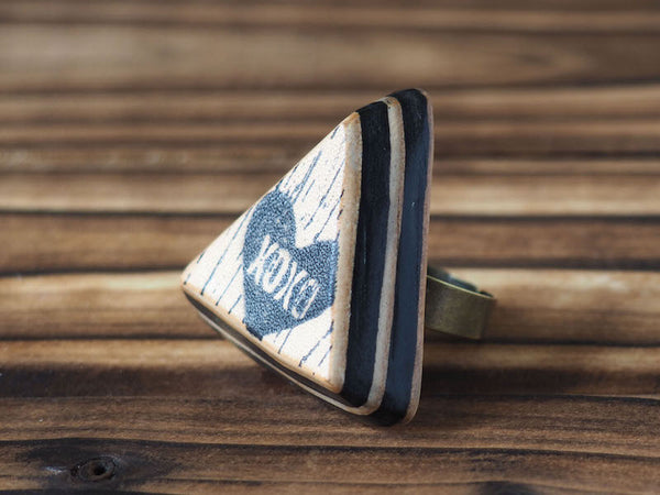ES Corner Handmade XOXO Leather Ring Hugs and Kisses Triangle shape Special Acronym gifts Black