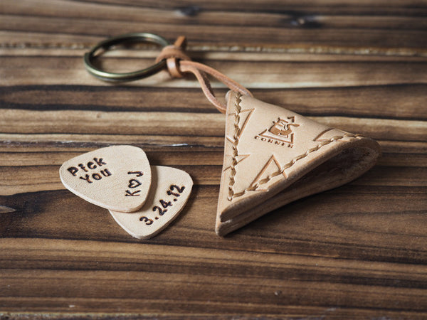 ES Corner Handmade Leather Guitar Pick Case Pick Holder Personalized with Leather Pick Natural Nude Hand-tooled triangle pattern