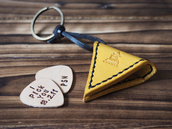 ES Corner Handmade Leather Guitar Pick Case Pick Holder Personalized with Leather Pick Yellow