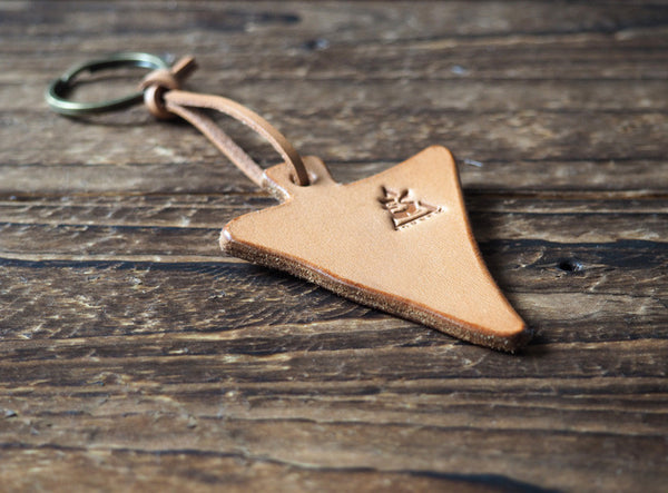 ES Corner Handmade Leather Triangle Keychain Natural Nude Keyring
