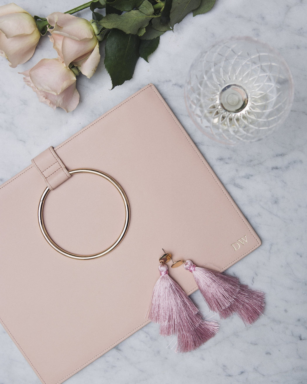 NUDE METAL RING CLUTCH