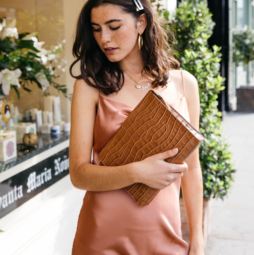Rome Clutch in Tan Croc
