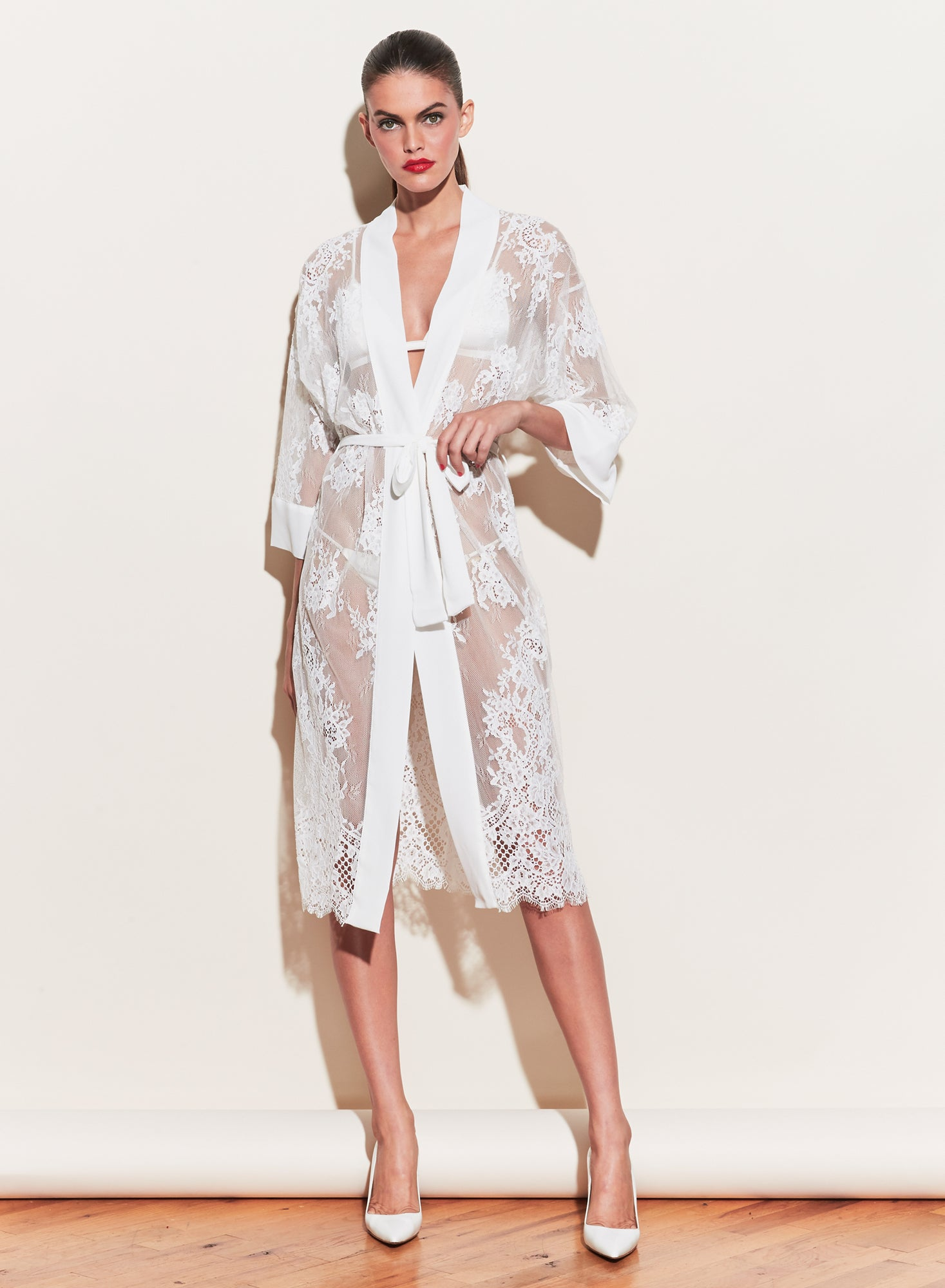 Cillis Lace Robe