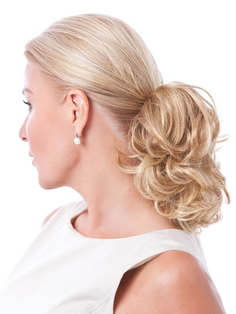 This instant ponytail gives you a variety of easy, fun looks!