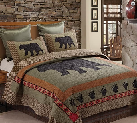 """Bear and Paw"" Patchwork Quilt Set - Full/Queen Size"