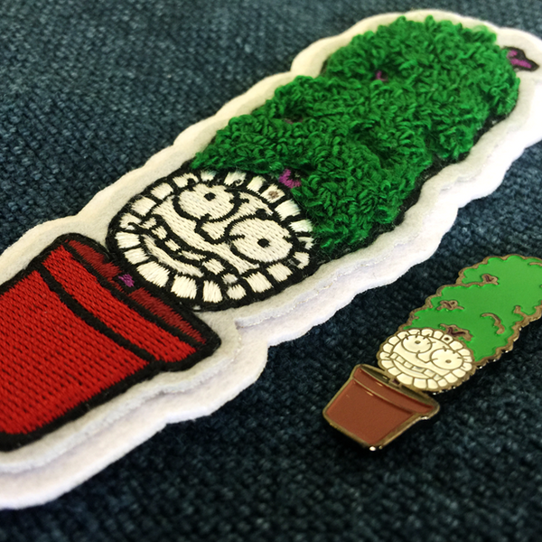 'MEET YOUR NEW MOTHER!' PATCH & PIN COMBO!