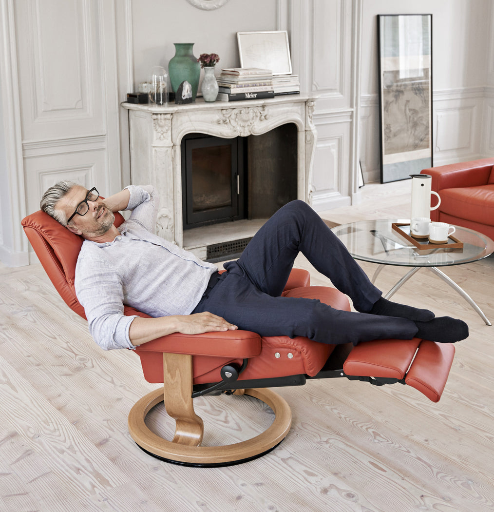 New Stressless Classic Leg Comfort at Fabers