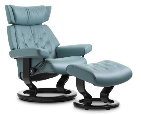 Skyline Classic Base Leather Recliner by Stressless at Fabers Furnishings