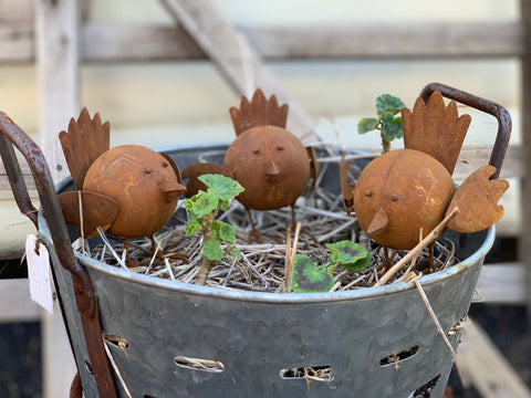 Set of 3 Small Rusty Tweety Birds