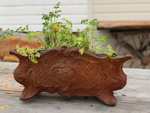 Rust HEAVY Cast Pot with Decorative Feet