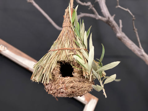 Strawgrass BIRD House