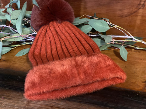 RUST Lined Beanie POM