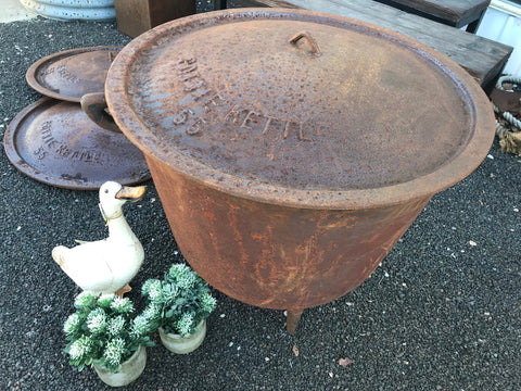 HEAVY Cast Iron Pot - Fire Pit with LID