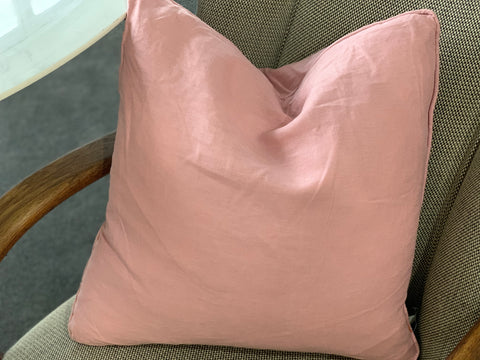 LINEN Duck Feather Cushion PINK