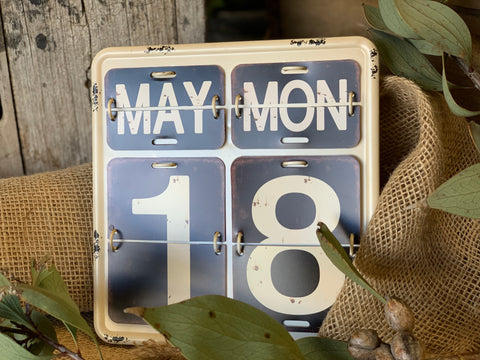 Desk Top/wall Enamel Calendar
