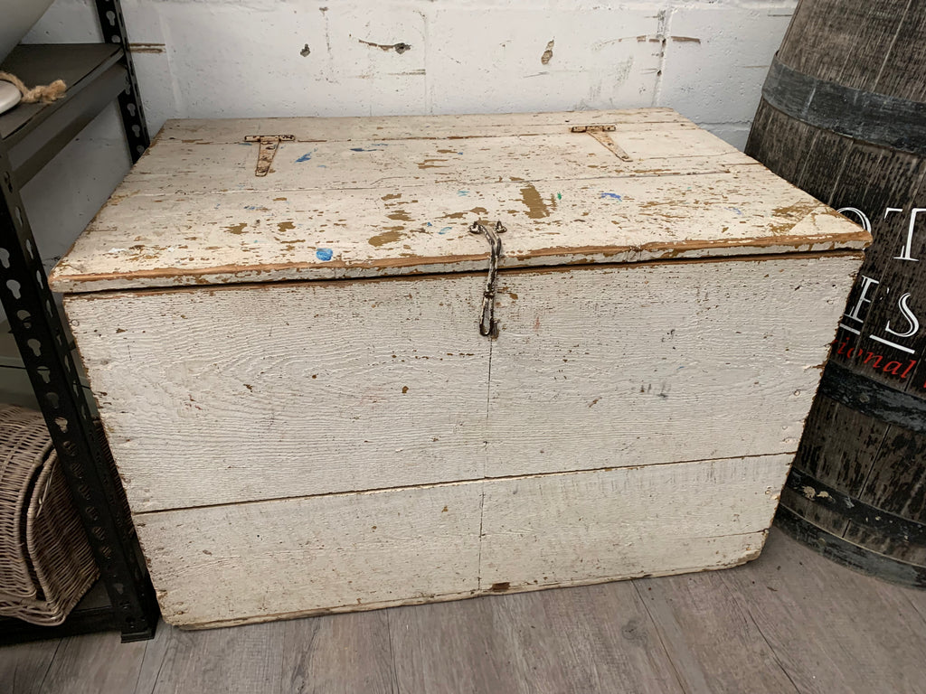 OLDE White WOODEN Trunk