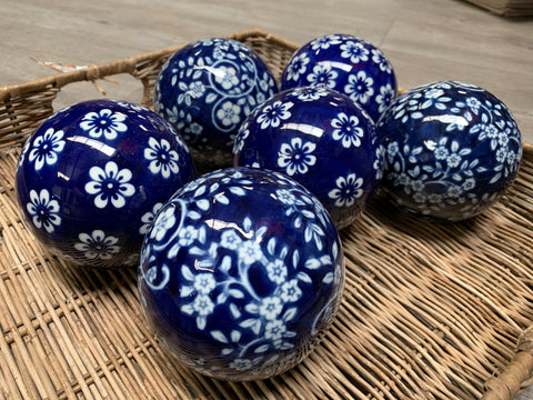 Blue PORCELAIN Flower Ball Set