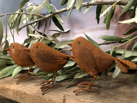 3x Small Rusty Birds