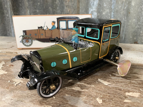 VINTAGE Tin Wind-Up I-972 Green Limousine