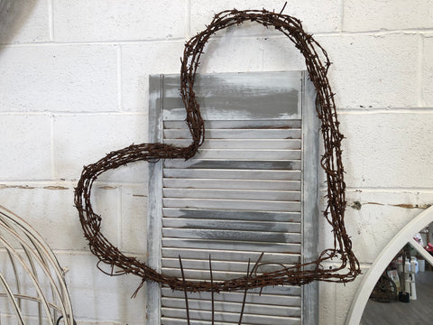 Large Rusty Wire Heart