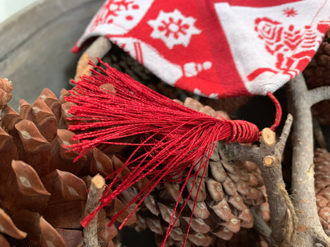 RED Xmas Runner with TASSELS