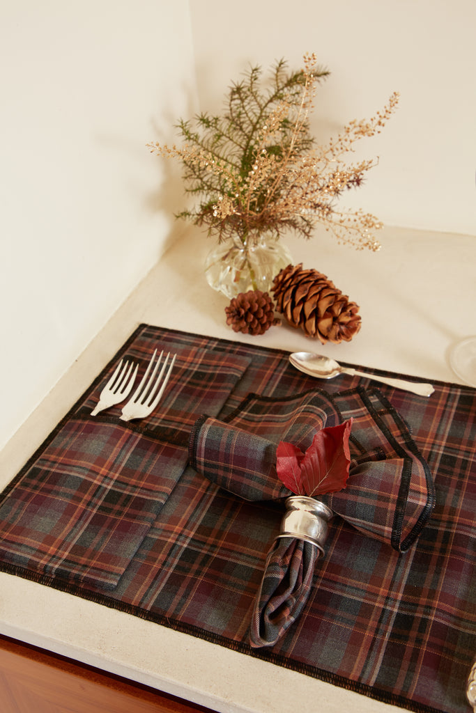 Brown Checkered Cutlery Holder