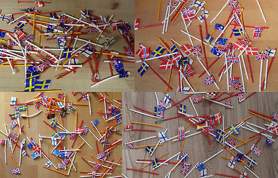 SCALEXTRIC CLASSIC FLAGS ON POLES x 50 - Action Slot Racing