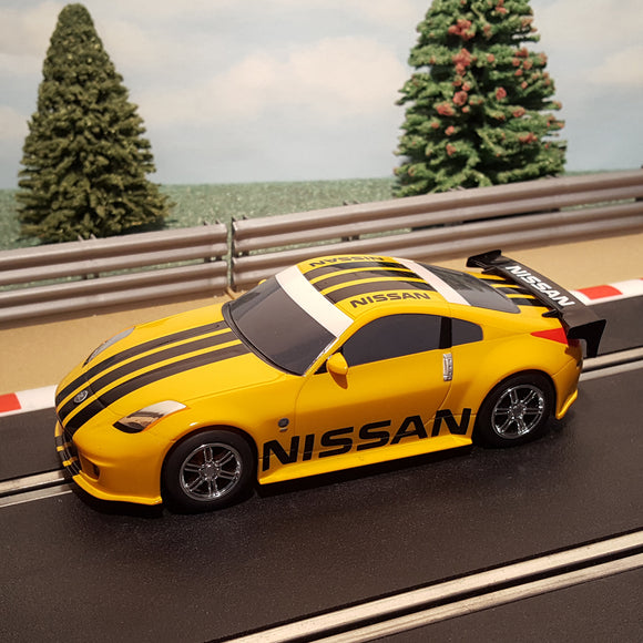 Scalextric 1:32 Digital Car - Yellow Nissan 350Z
