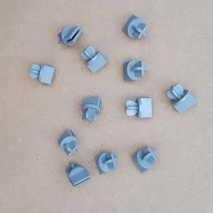 Scalextric 1:32 Classic - C8226 Track Support Clips / Connectors - Grey x 12