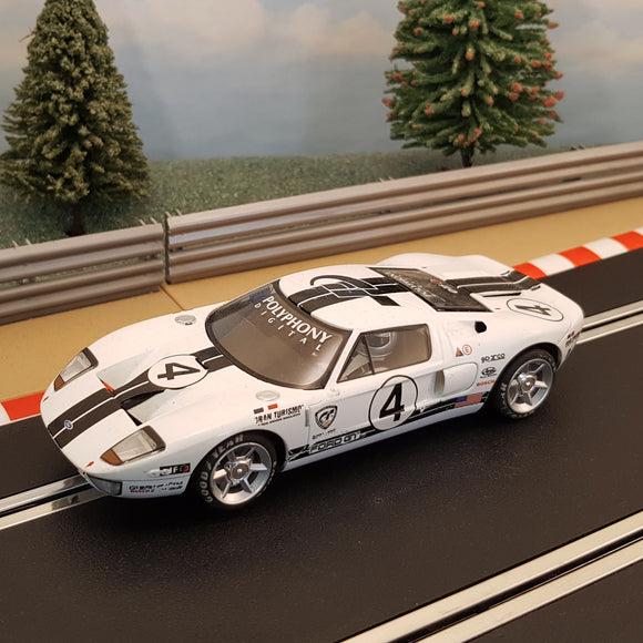 Scalextric 1:32 Digital Car - C2995 White Ford GT #4 *LIGHTS* #Z