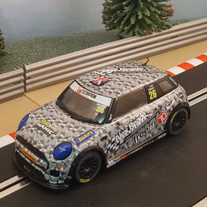 Scalextric 1:32- C3873 BMW MINI Cooper F56 #26 #V