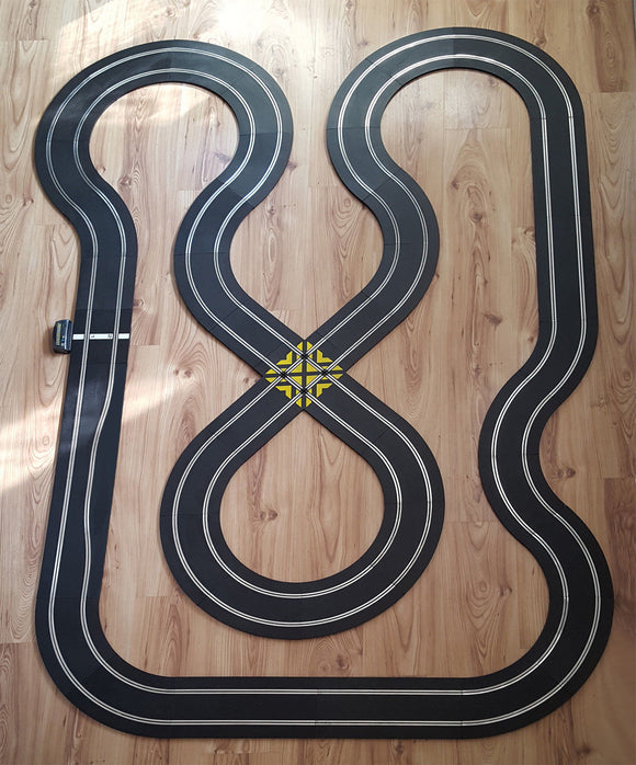 Scalextric Sport 1:32 Track Set - Figure-Of-Eight Layout #E
