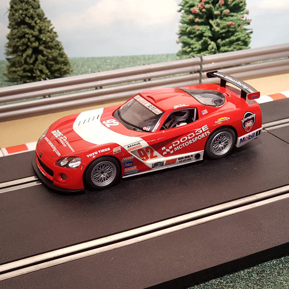Scalextric 1:32 Digital Car - C2691D Red Dodge Viper #92 *LIGHTS* #C