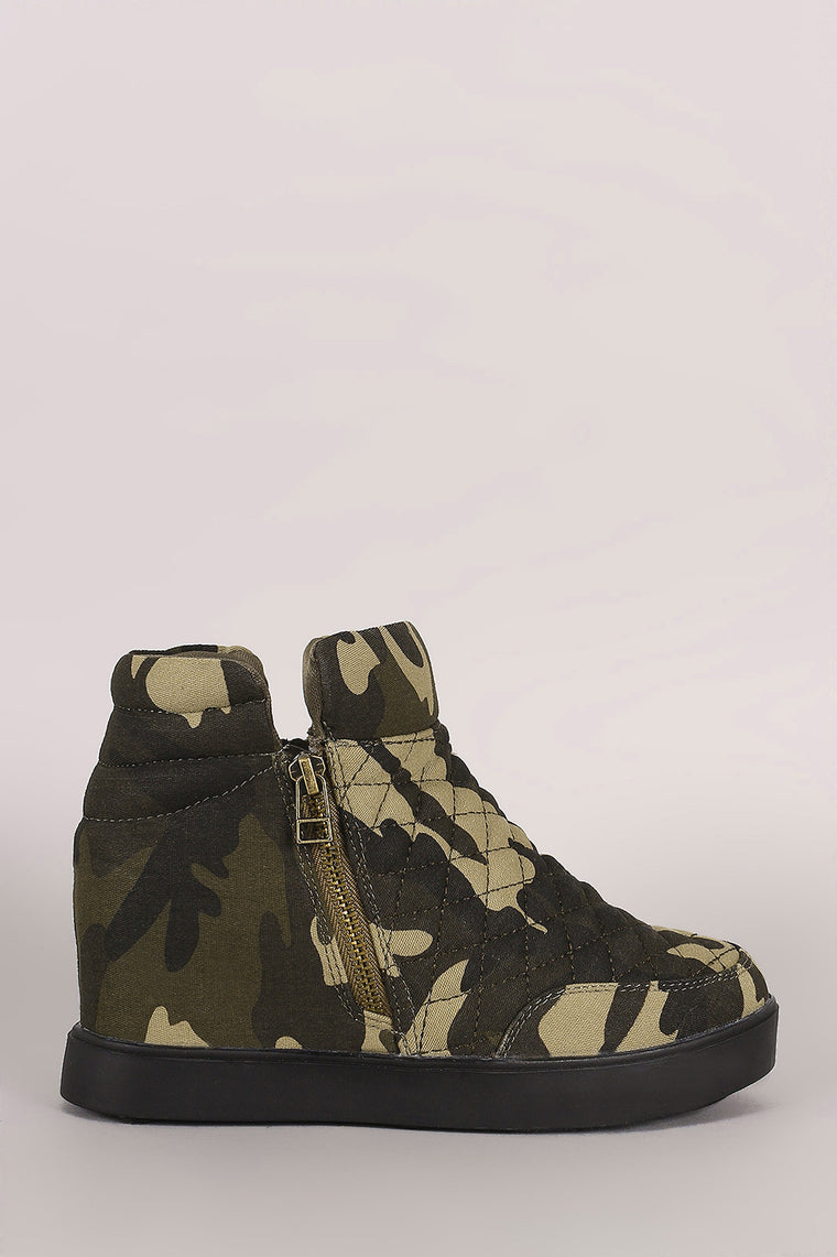 Quilted Camouflage Zipper High Top Wedge Sneaker - duzuu