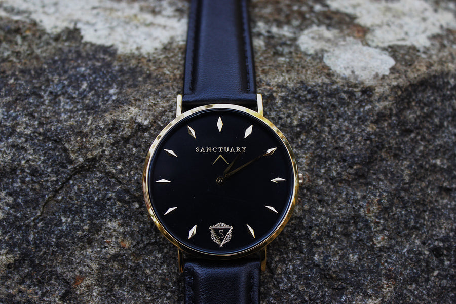 The Grandeur / Black & Gold Minimal Watch