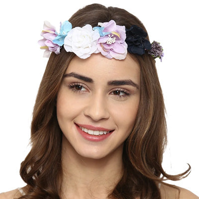 Try these 5 hair accessories for a glam look at your next party