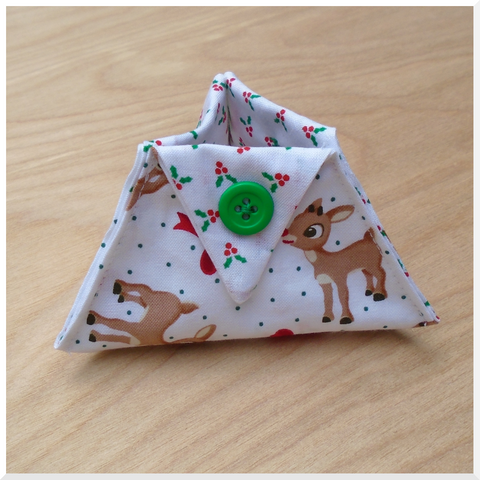 Thread Catcher/Ort Catcher made with Rudolph with Bows Fabric