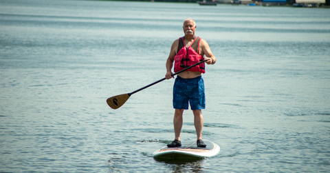 Stand up Paddle on George Lake - Todd