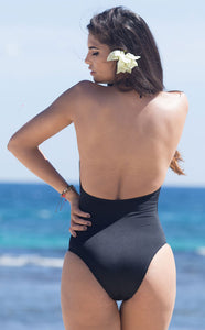 Black swimsuit by Salitre Swimwear