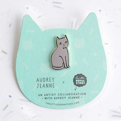 Broche chat gris assis audrey jeanne cat pins