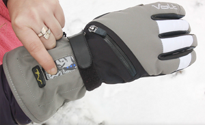 Womens Tatra gloves in the snow