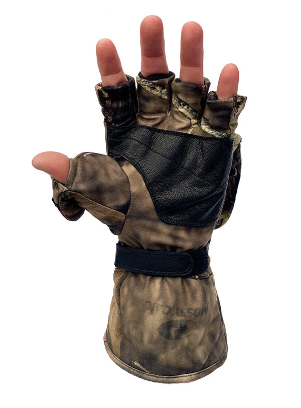 Mossy Oak Country Heated Mitten flips for exposed fingertips