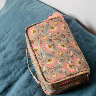 Mohea Folk Flowers Toiletry Bag
