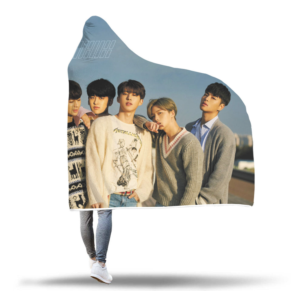 iKON Return Hooded Blanket