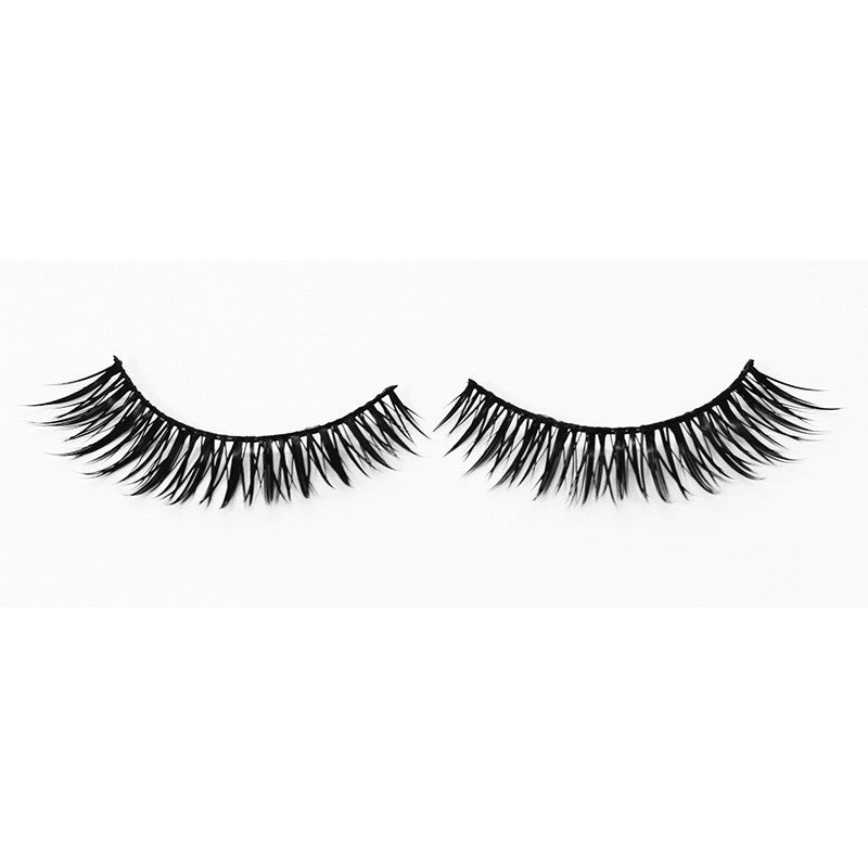 Natural-Look Eyelashes