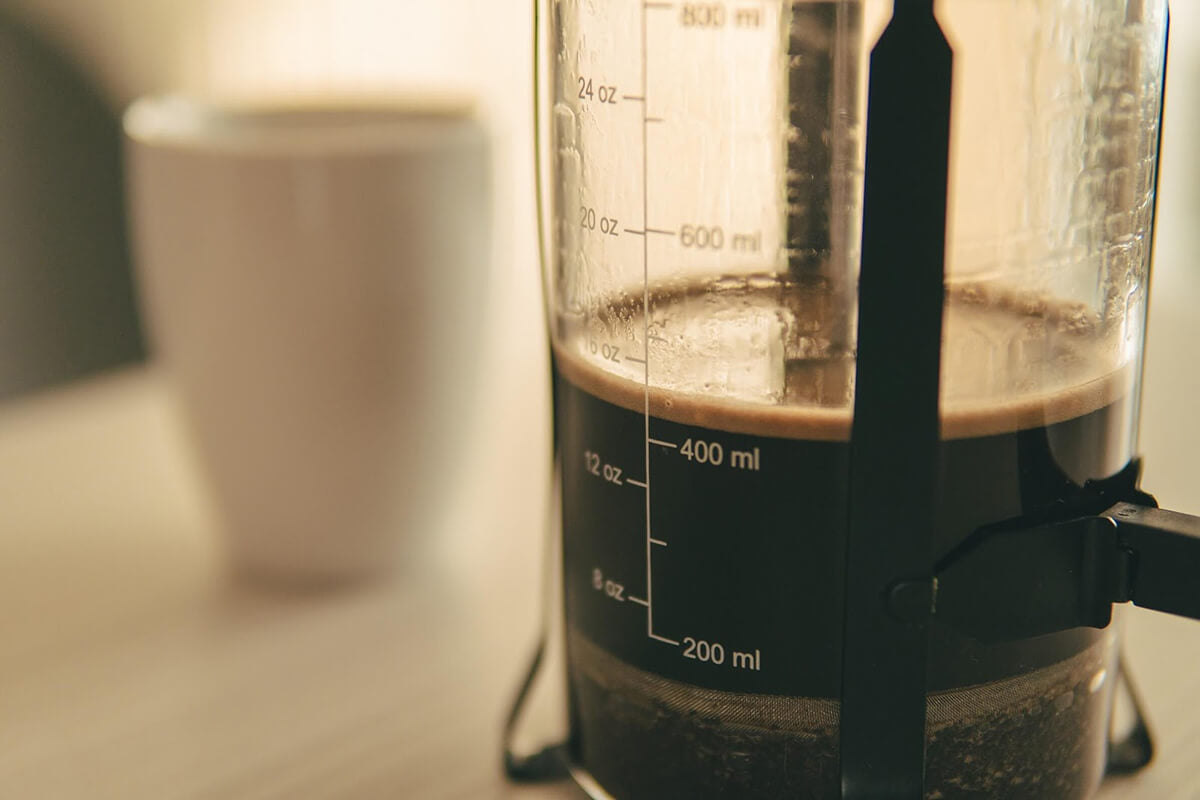 Making espresso with a French press