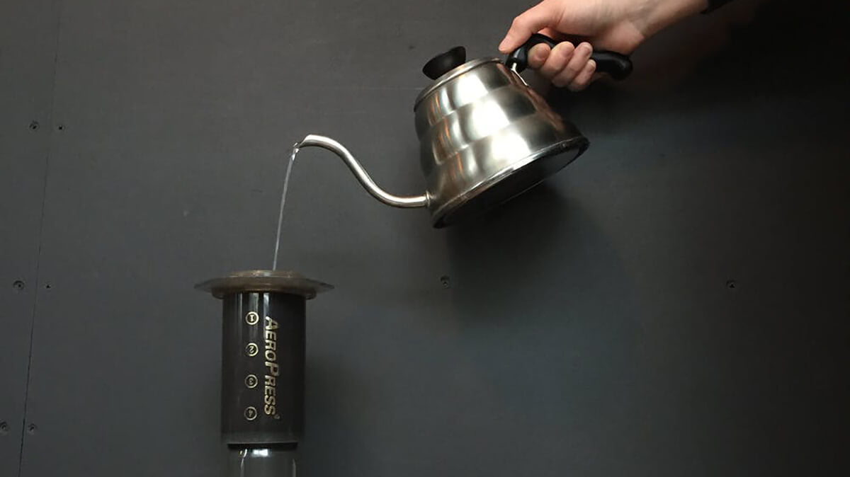 What are the differences between pour over coffee and immersion brewing