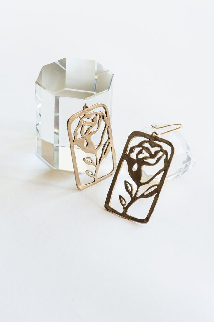 La Rosa Earrings Yu Yu Shiratori
