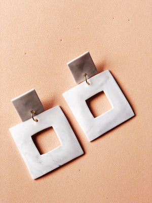 Una cuadrado Earrings